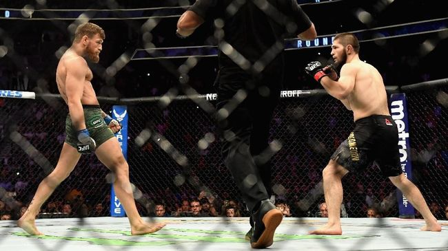 Conor McGregor dan Khabib Nurmagomedov. @Harry How/Getty Images/AFP
