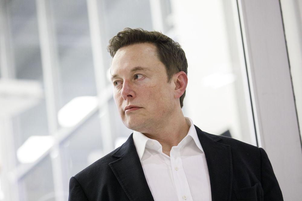 Kena Prank Elon Musk, Investor Kripto 'Rugi' Rp 5.183 T thumbnail